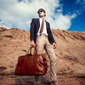 กระเป๋าหนังแท้ By ITTIRIT สำหรับผู้ชายมีสไตล์
