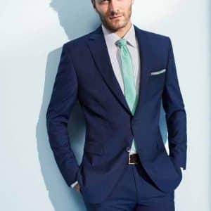 653491065784b2e03b3c0d6ec5f94dda--navy-blue-suit-blue-suits