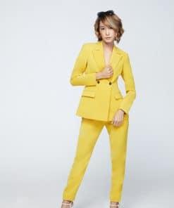 สูทสีเหลือง